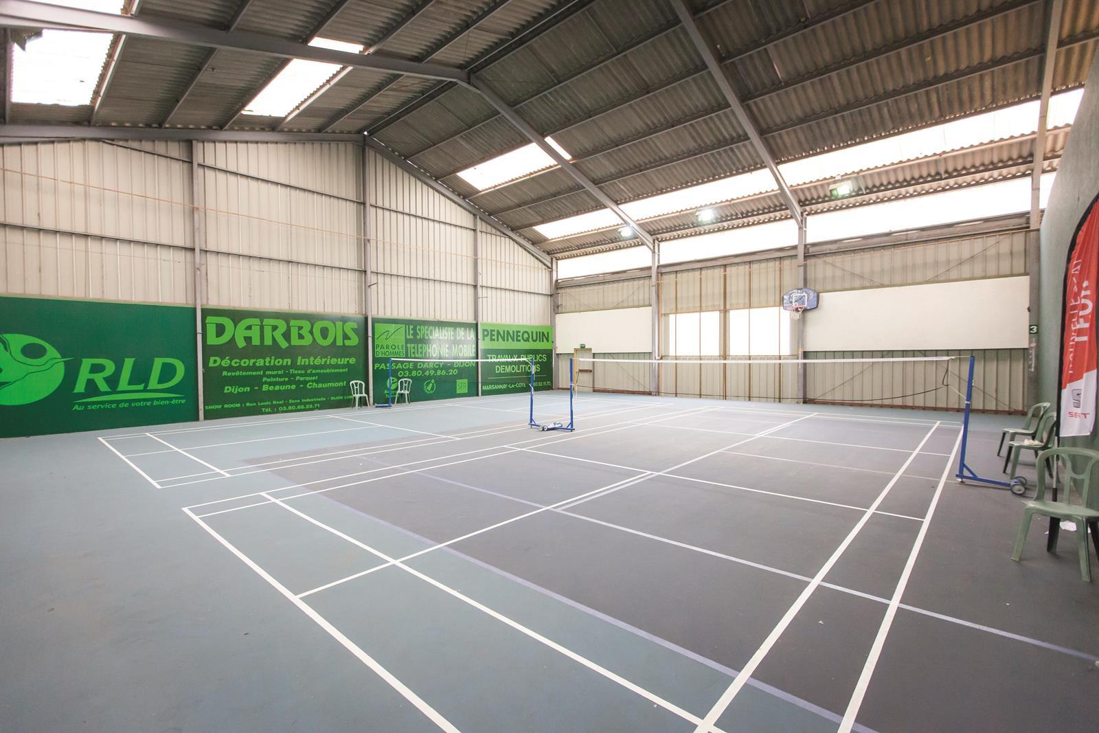 badminton country club golf norges dijon bourgogne. Black Bedroom Furniture Sets. Home Design Ideas